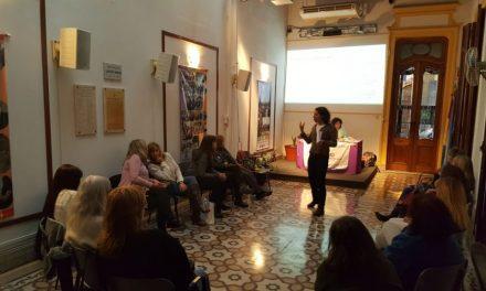 """Femsafe organizó una charla sobre """"Comunicación con perspectiva de género"""" en Rosario"""