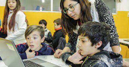 Nuevas computadoras para los alumnos de la Escuela Cooperativa Amuyén