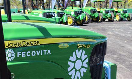 FECOVITA anuncia el operativo de compra de cien tractores para pequeños productores