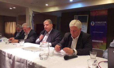 Marcelo Collomb entregó apoyos financieros a cooperativas en Río Tercero