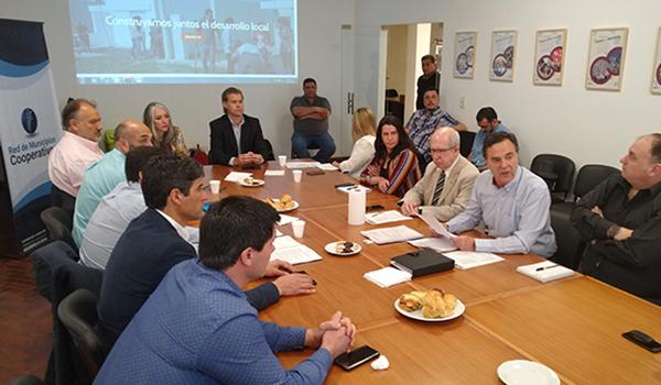 Se reunieron dirigentes municipales con representantes cooperativistas